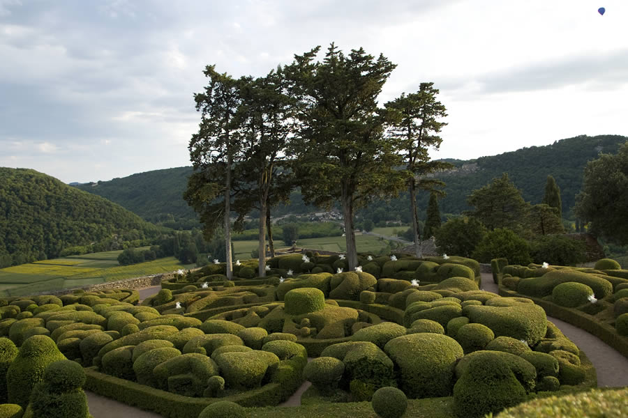 Jardins de Marqueyssac and its remarkable collection of topiaried box bushes