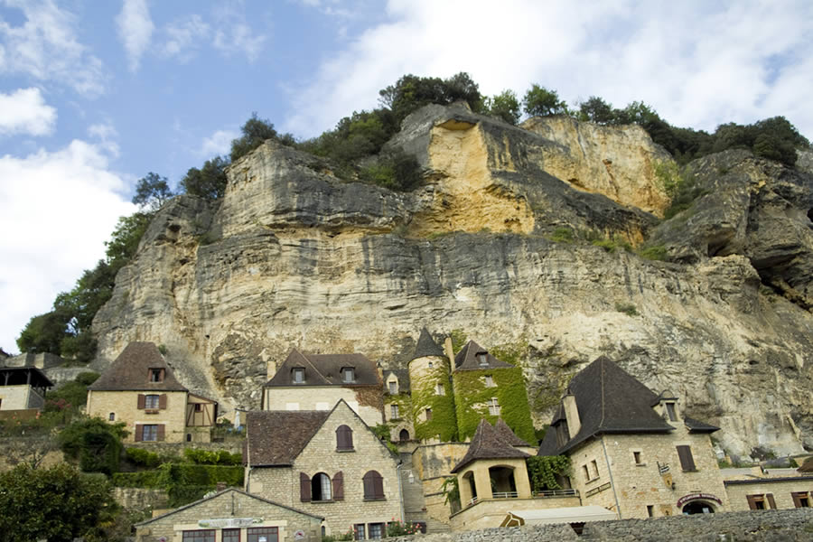 La Roque-Gageac with its traditional dordogne architecture
